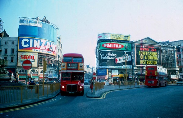 London 1970s Piccadilly Circus