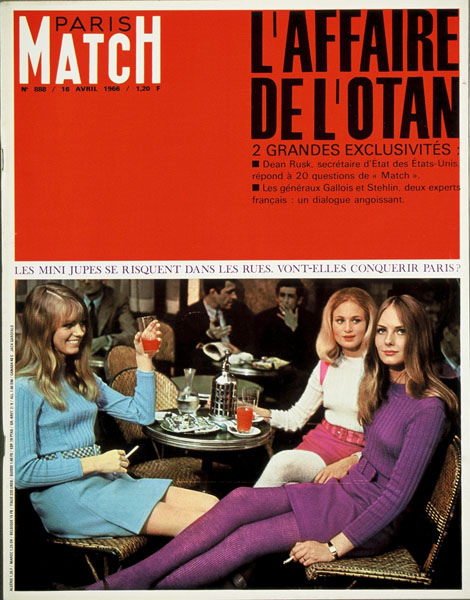 1966 Paris Match Magazine