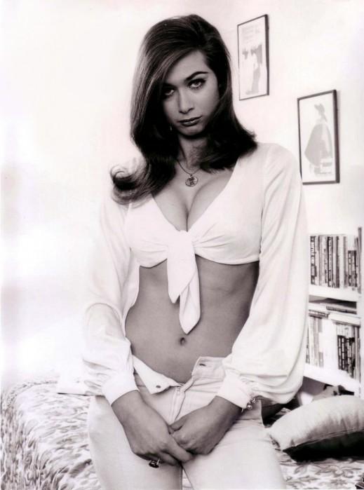 Valerie Leon picture