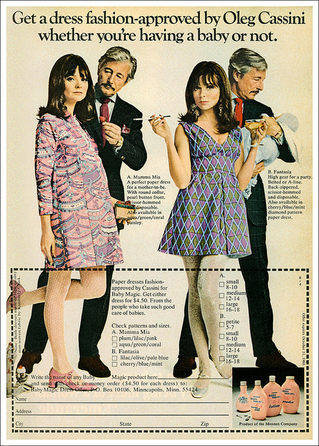 The 60s' Maternity Paper Dress