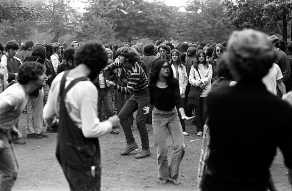 Dancing in the park 1970