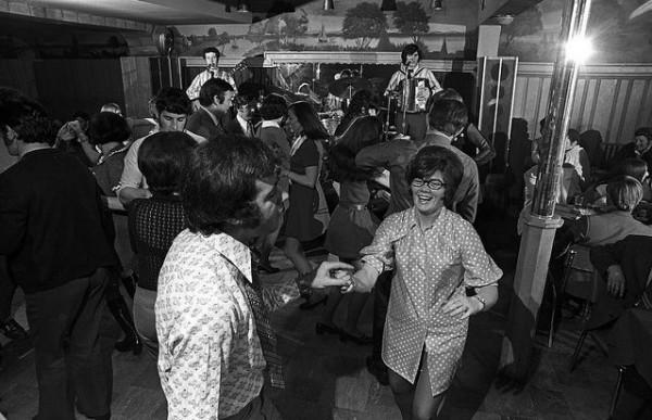 Dancing-005