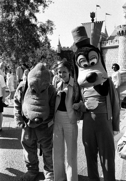 Twiggy with Goofy
