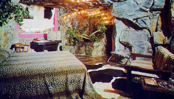 Madonna Inn Caveman Room : Vintage the pink collar life madonna inn part