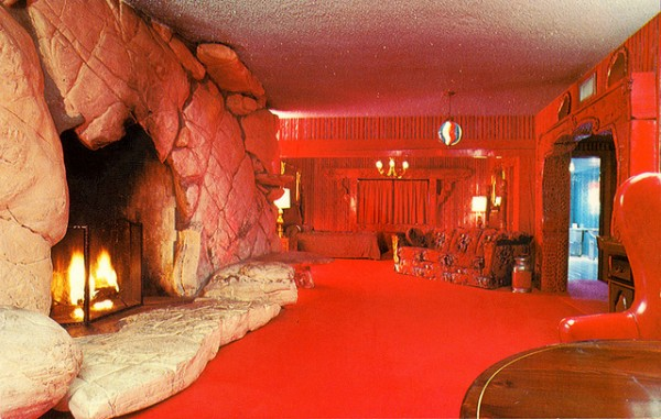Red room - Madonna Inn