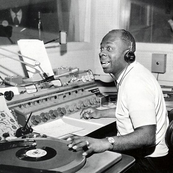 Pop Stars playing vinyl - Rufus Thomas
